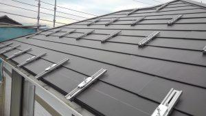屋根のカバー工法、ソーラー金具