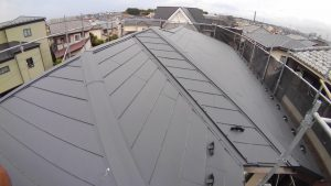 屋根カバー工法の大屋根