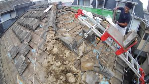 瓦屋根の撤去