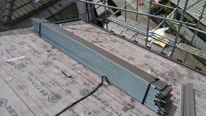 越生町で、屋根カバー工法