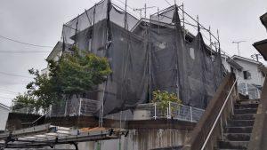外壁塗装、屋根工事の現場。